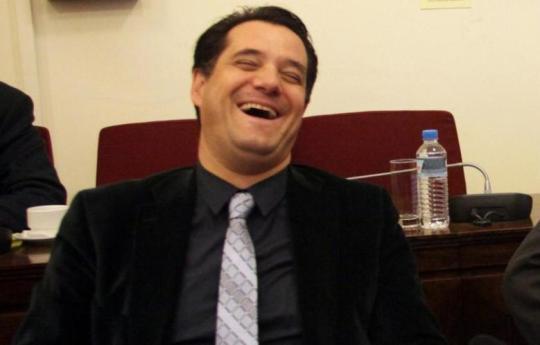 υπουργός ανάπτυξης, πνίγεται στην δουλειά, Άδωνις Γεωργιάδης, Adonis Georgiadis, Ypourgos Anaptixis, N.D, Ν.Δ, Κυριάκος Μητσοτάκης, Ευγενία Μανωλίδου, nikosonline.gr