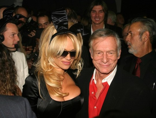 "Playboy, Όργια, ναρκωτικά, Χιου Χέφνερ, Χόλι Μάντισον, Hugh Hefner, Holly Madison, έπαυλη, βιβλίο, τηλεόραση, TV series, ""Down The Rabbit Hole"", nikosonline.gr"