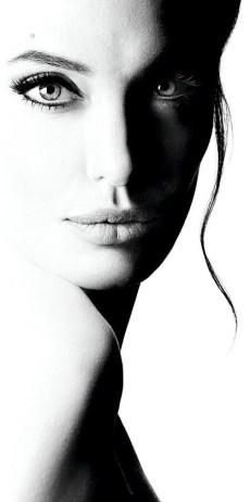 Χρονολόγιο, Angelina Jolie, Αντζελίνα Τζολί, ΤΟ BLOG ΤΟΥ ΝΙΚΟΥ ΜΟΥΡΑΤΙΔΗ, nikosonline.gr