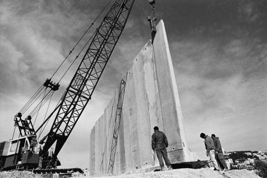 Η ταυτότητα της ημέρας, Israel Wall, Ισραήλ τείχος, ΤΟ BLOG ΤΟΥ ΝΙΚΟΥ ΜΟΥΡΑΤΙΔΗ, nikosonline.gr