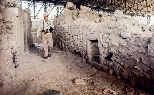 Ο άνθρωπος που αφιερώθηκε στις ανασκαφές, ΣΠΥΡΙΔΩΝ ΜΑΡΙΝΑΤΟΣ, Spiros Marinatos, arxaiologos, anaskafes, Santorini, Ακρωτήρι Σαντορίνης, αρχαιολόγος, Σπύρος Μαρινάτος, nikosonline.gr