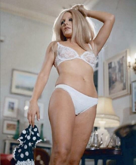Γκιζέλα Ντάλι, Η βασίλισσα του soft porno, κινηματογράφος, Gizela Dali, cinema, σύμβολο σεξ, sex symbol, nikosonline.gr