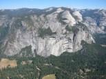 """Blick vom Glacier Point auf """"North Dome"""" und """"Basket Dome"""""""