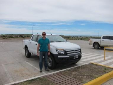 Ein Mann und sein Auto