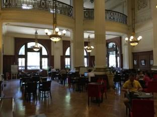 Vor der Abfahrt noch eine Kaffee in der Estación Retiro