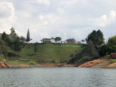 """Villa von José Gonzalo Rodríguez Gacha, """"El Mexicano"""""""