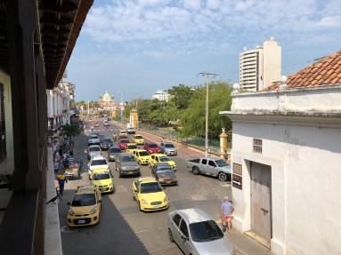 Verkehr vor unserem Hotelzimmer