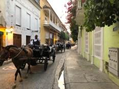 abendliche Kutschenparade in Cartagena de Indias