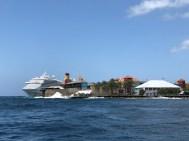 3.400+ Passagiere überrennen die Insel