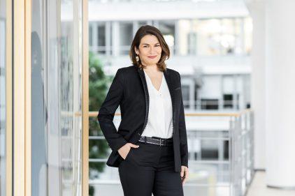 Sylvie Nicol, Vorständin / Henkel AG / Geschäftsbericht 2020 / Düsseldorf 2021 / Fotograf: Nils Hendrik Mueller