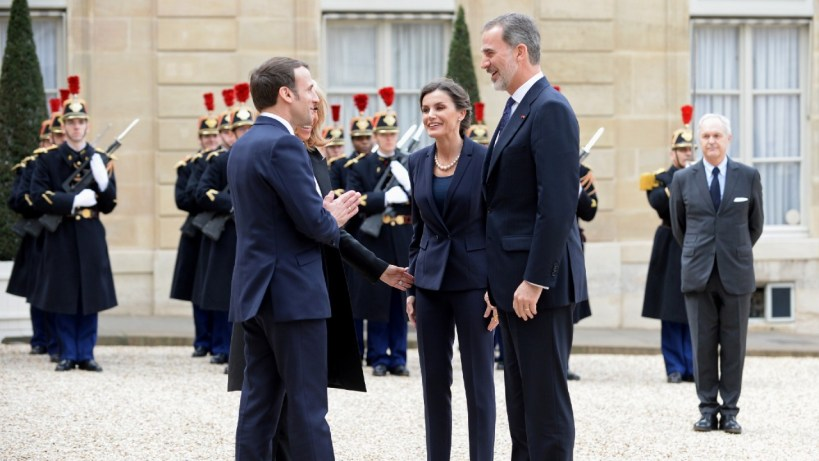Namaste-Is-the-New-Handshake-Will-COVID-19-Redefine-Greeting-Etiquette-Emmanuel-Macron-with-King-Felipe-VI-namaste