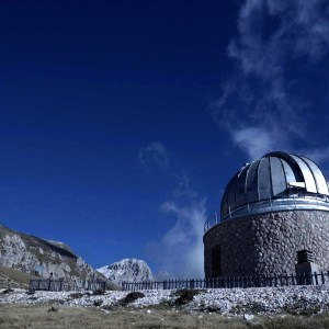 Conversazioni Atomiche screenshot dal film con immagini dell'osservatorio di Campo Imperatore