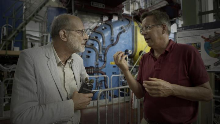 Ghigo insieme a Felice Farina nel film documentario Conversazioni Atomiche