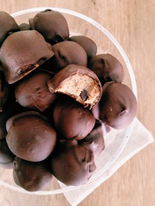 Cookie dough-chocolade balletjes