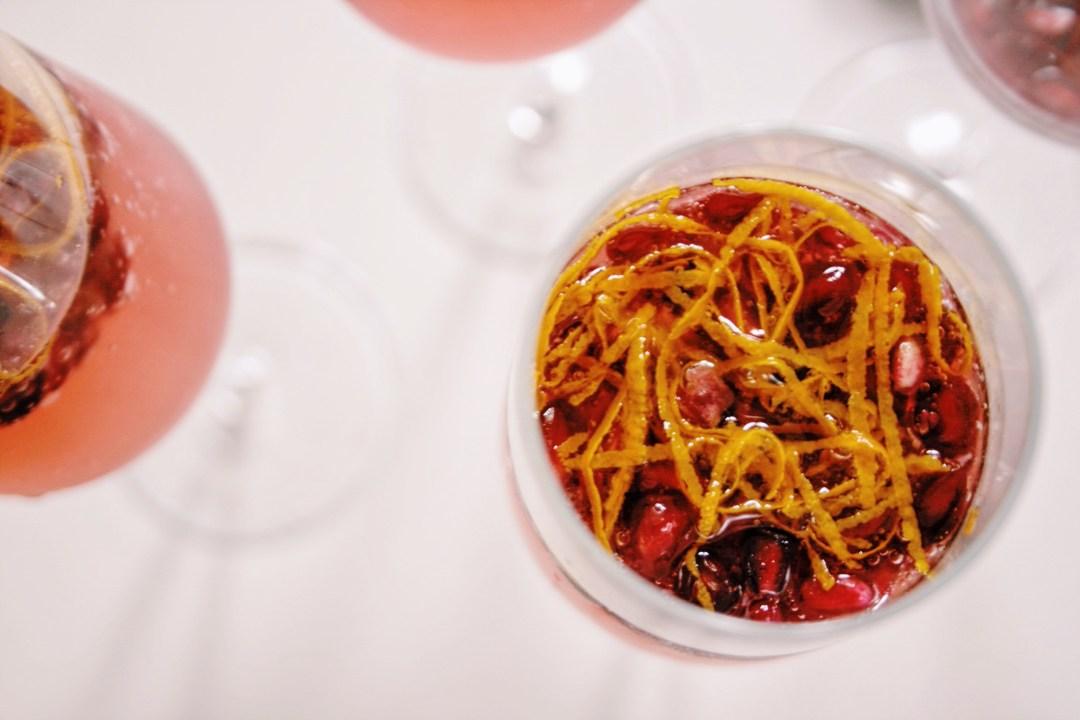 Prosecco-cocktail met gin & granaatappel