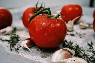 Tomaten risotto met basilicum & parmezaanse kaas