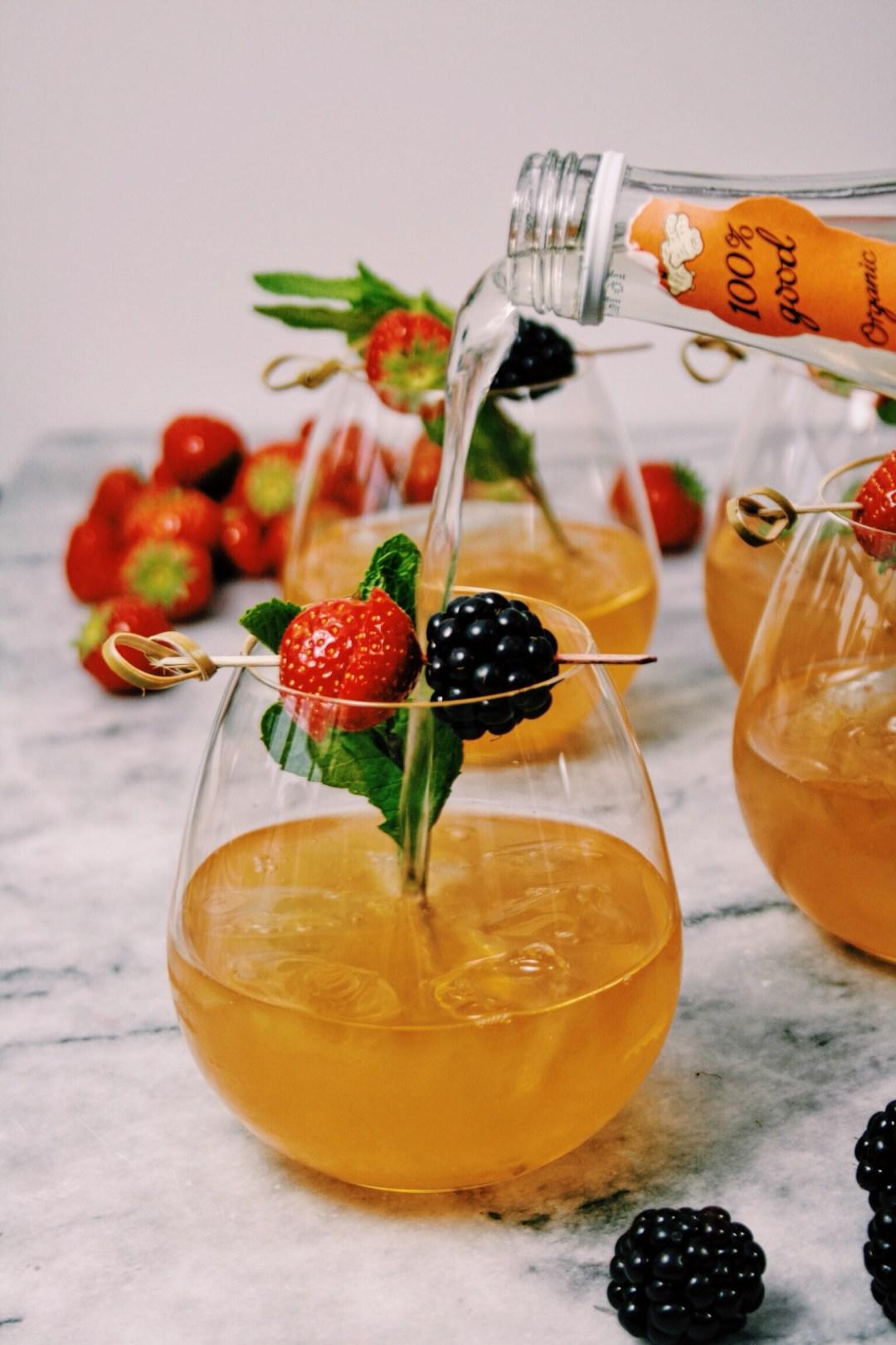 Cocktail met mandarijnlikeur & cognac