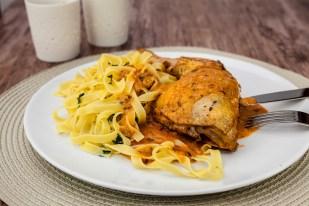 Kip met paprika en sour cream