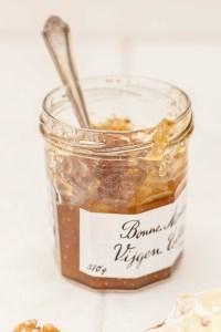 Geroosterde tartines met camembert & walnoten