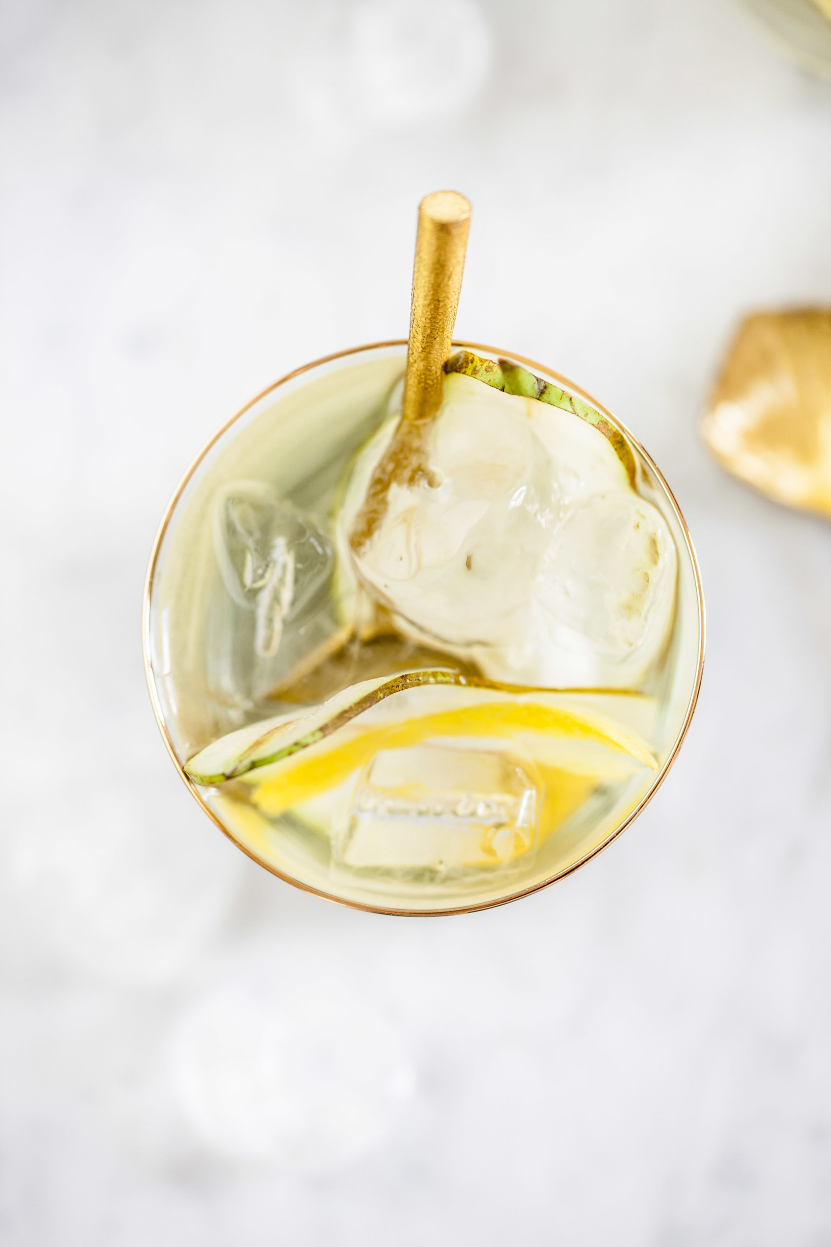 Rozenwater met peer & citroen