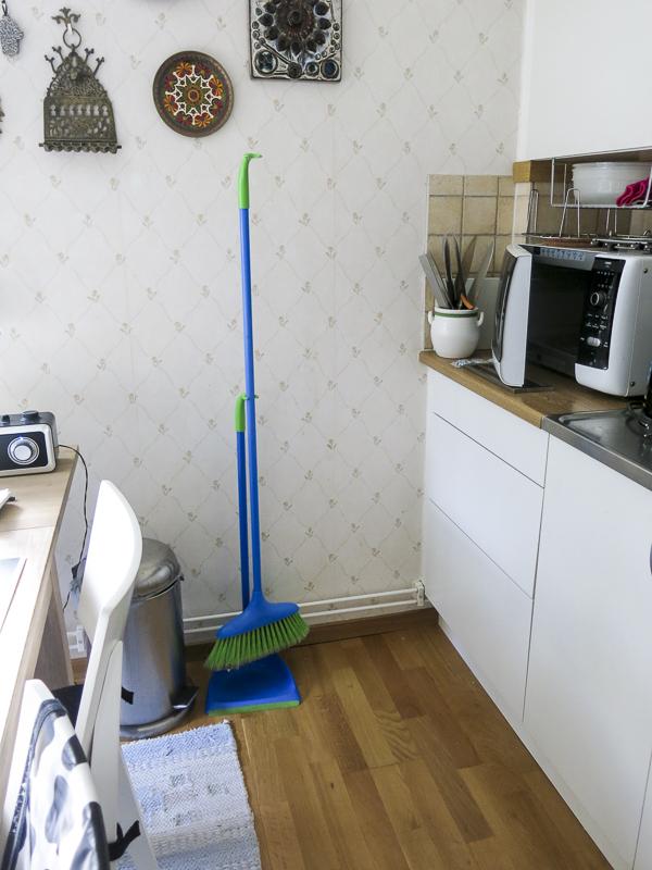 kitchen, cupboards, drawers