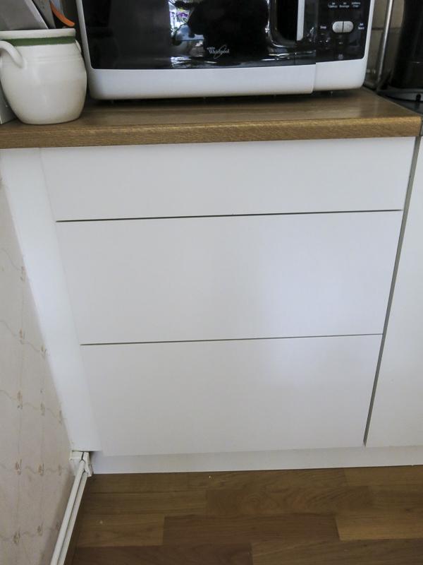 kitchen, drawers