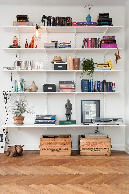 wallmounted shelves, shelves, bookcase, books