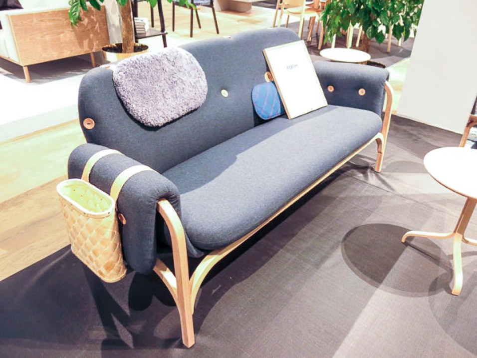 A sofa with too many details if you ask me…