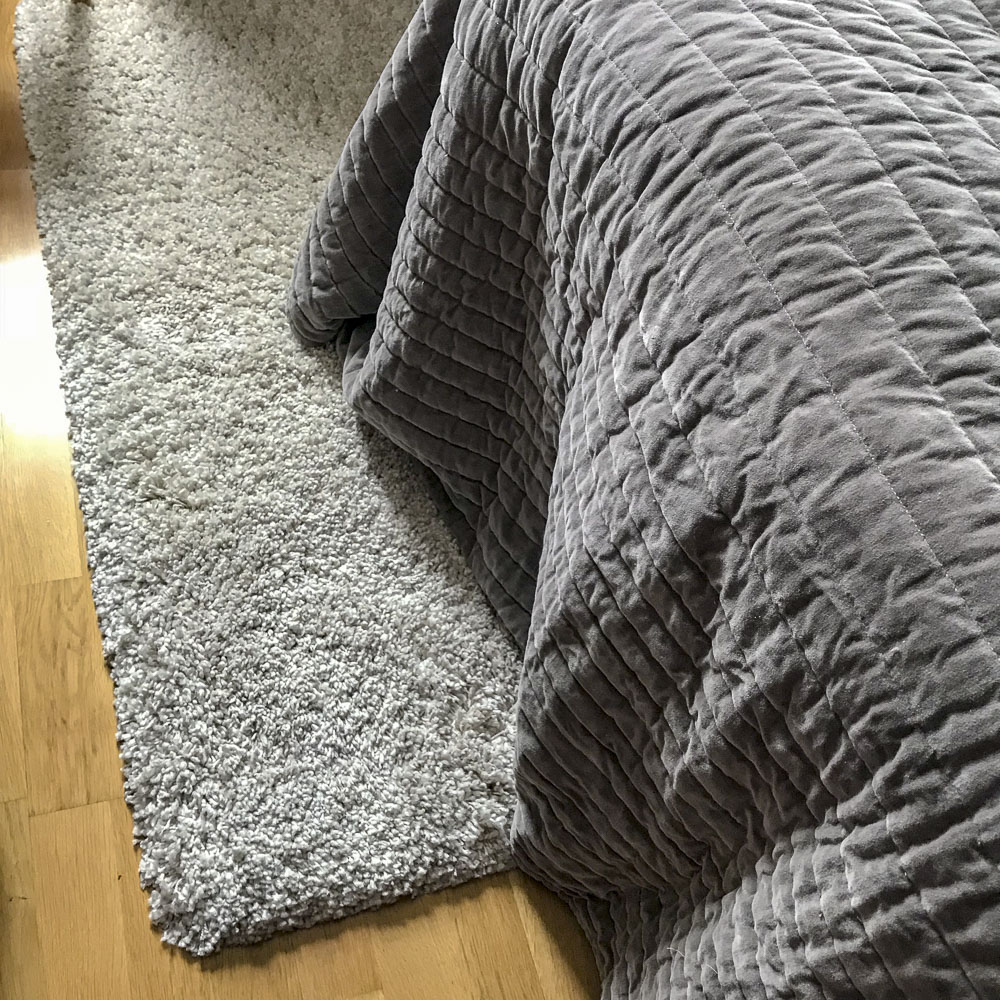 rug, carpet, bedroom