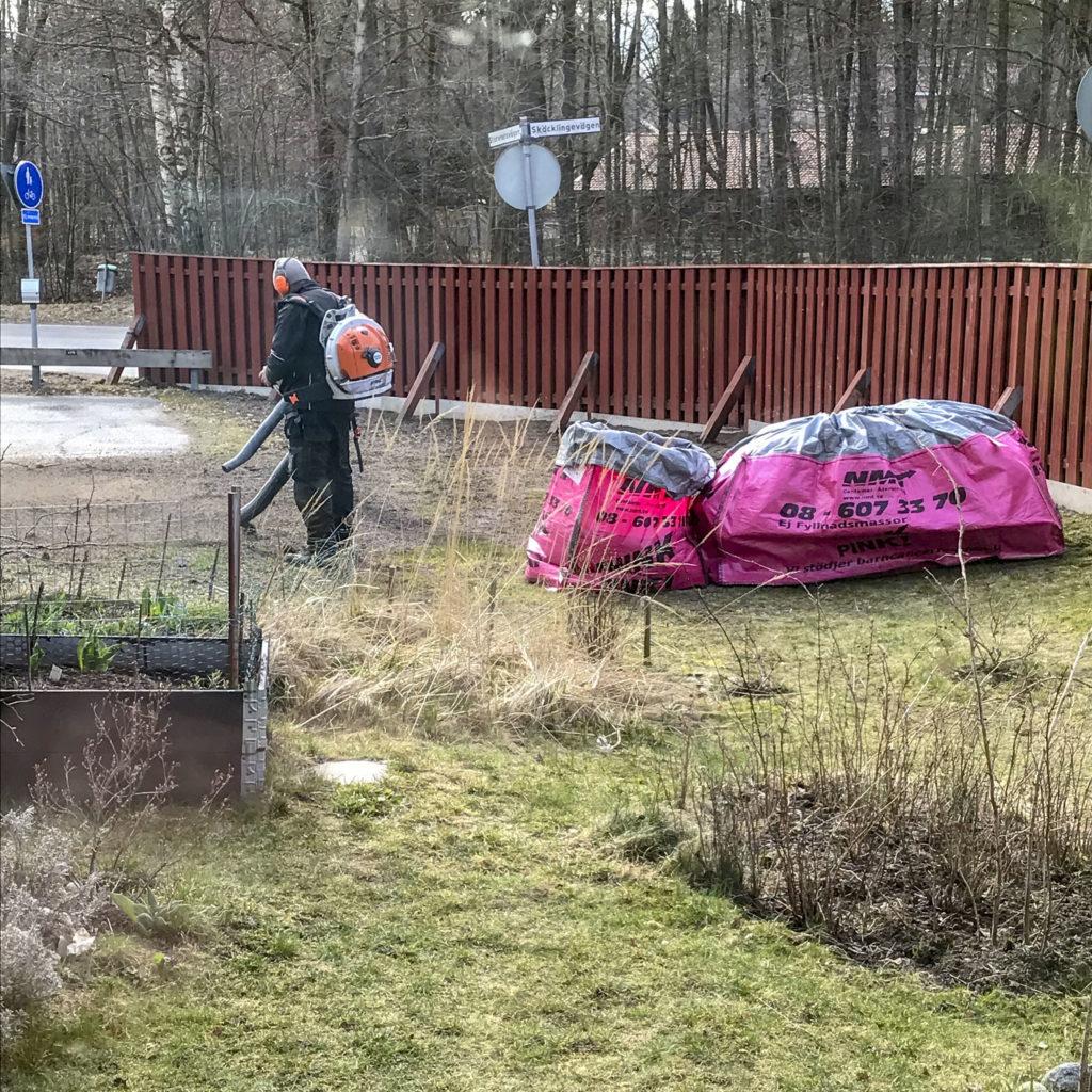 bags, oldfloor, garden, sandblowers