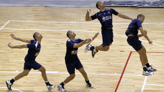 Entrenar el saque en el voleibol