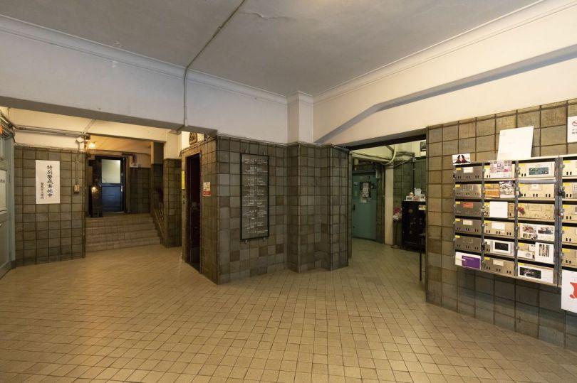 L'entrée du hall principal. Le bâtiment compte 70 suites.