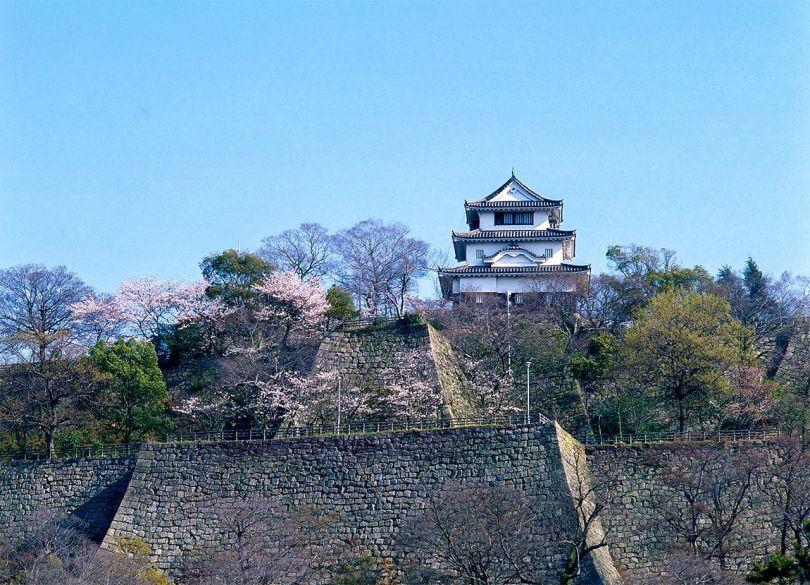 (Avec la permission de l'association touristique de la préfecture de Kagawa)