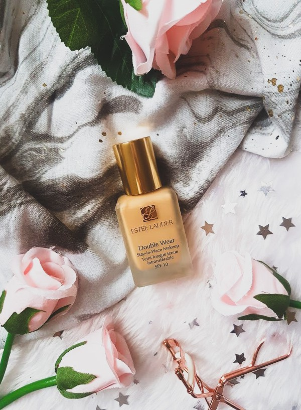 TAKEOVER TUESDAY: ESTÉE LAUDER DOUBLE WEAR FOUNDATION REVIEW (CLASS & GLITTER)