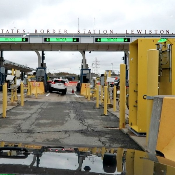 CROSSING THE BORDER FROM CANADA TO THE USA, www.nishiv.com, nishi v