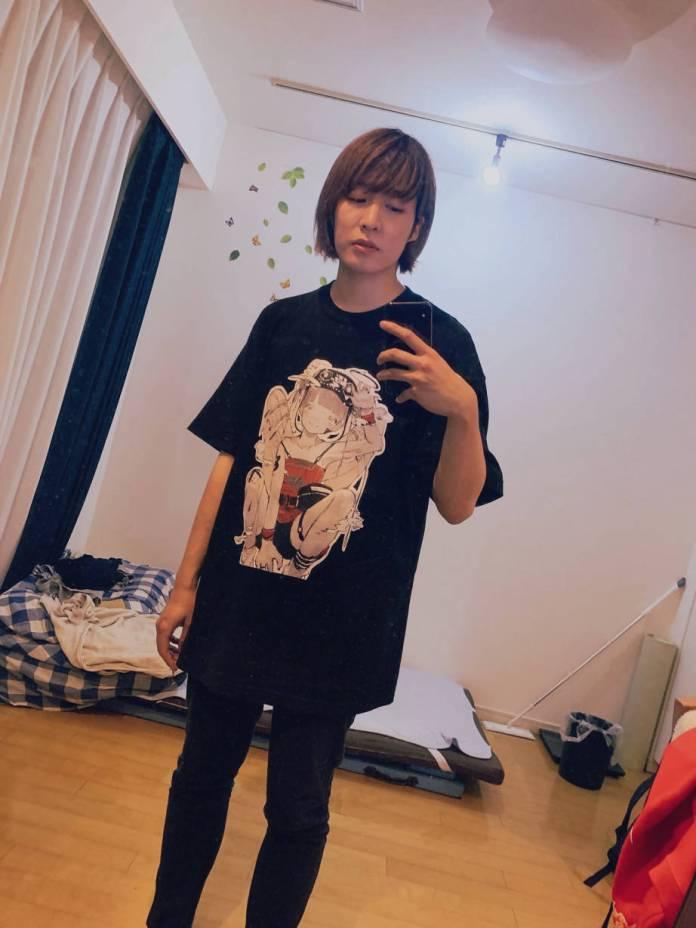 Nakaji / Ririka-chan (@nkjzm) modeling kikiyu VIRTUAL REALI-T vol2 shirt