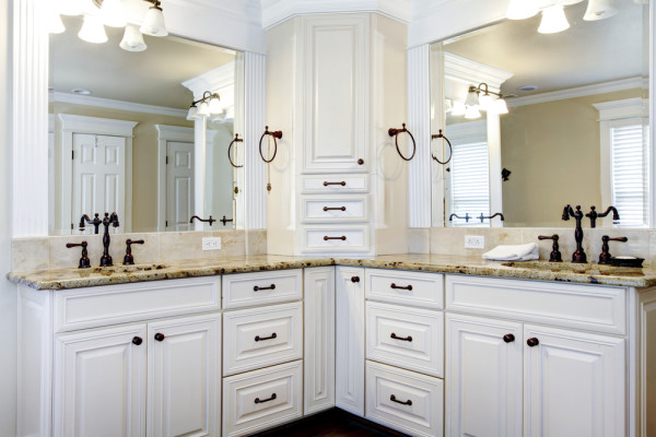 Double Sink In Jack and Jill Bathroom