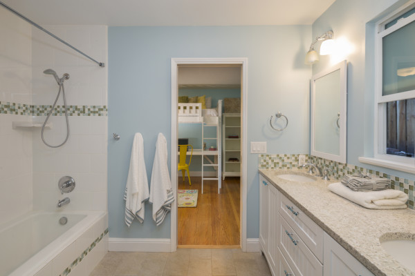 Neutral Jack and Jill Bathroom