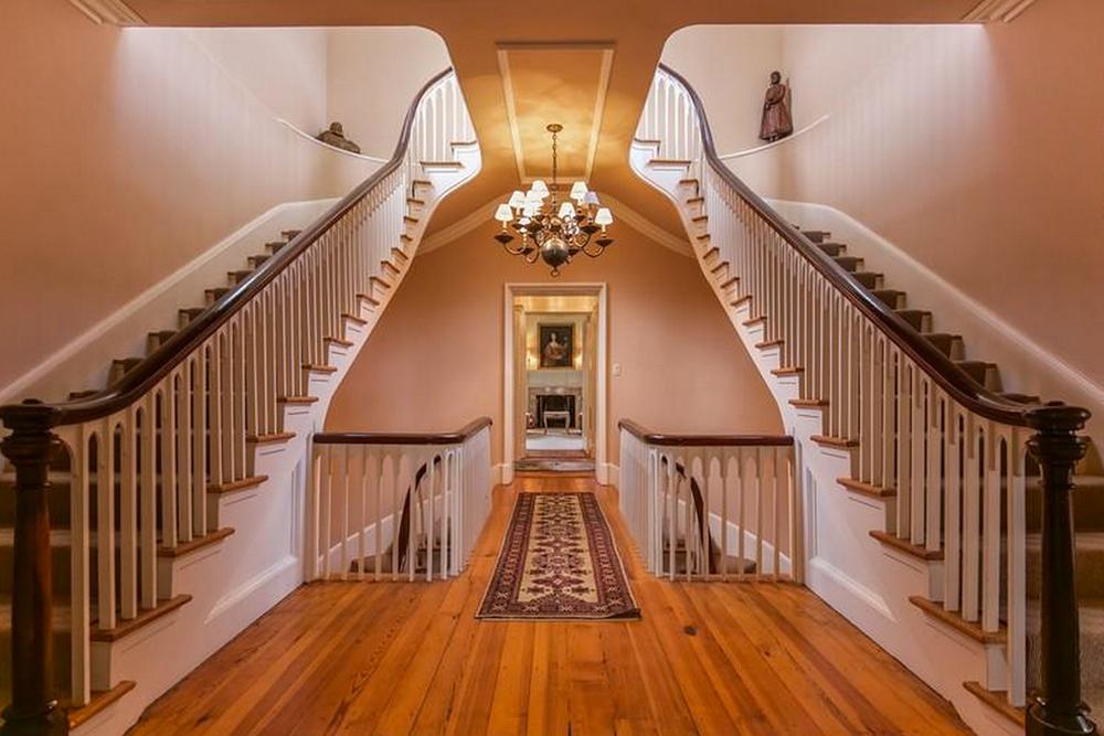 Staunton Hill Guest Stair