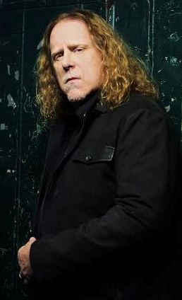 """Warren Haynes' new album, """"Ashes to Dust,"""" teams him with New Jersey's Railroad Earth."""