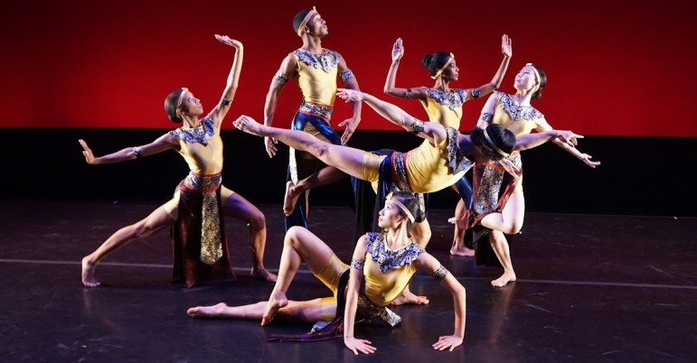 """Members of the Nai-Ni Chen Dance Company perform """"Movable Figures."""""""