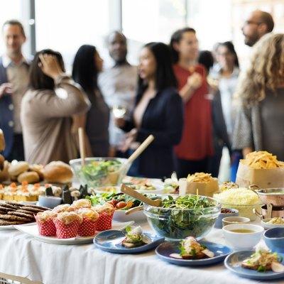 auf dem <b>Buffet</b> als kulinarische Abrundung und Ergänzung