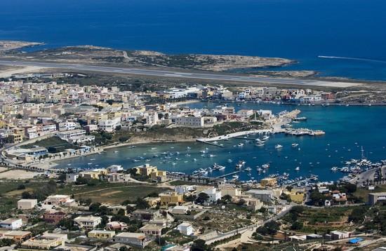 61510_porto_e_aeroporto_isola_di_lampedusa