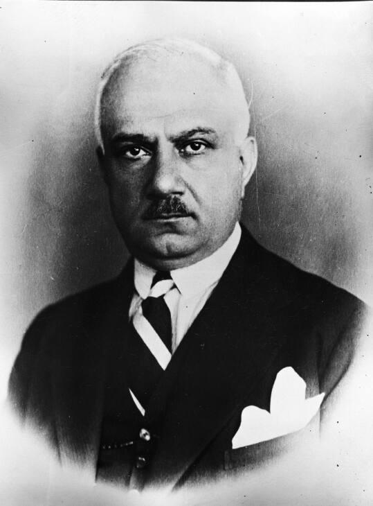 Eski başbakanlardan Recep Peker