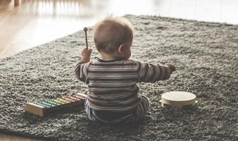 Bebek ve Müzik