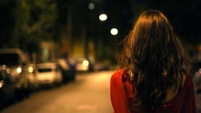 Image result for girl in road in night time n hyderbad