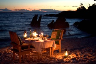 dining-14-beach-dinner-for-2