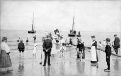 Anonymous photographer, the Netherlands, beach (probably Scheveningen), early 20th century.