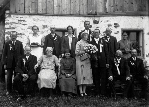 Anonymous photographer, wedding of an unknown couple in Latvia, early 20th century.