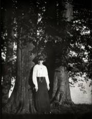 Anonymous photographer. Unknown lady. Germany, early 20th century.